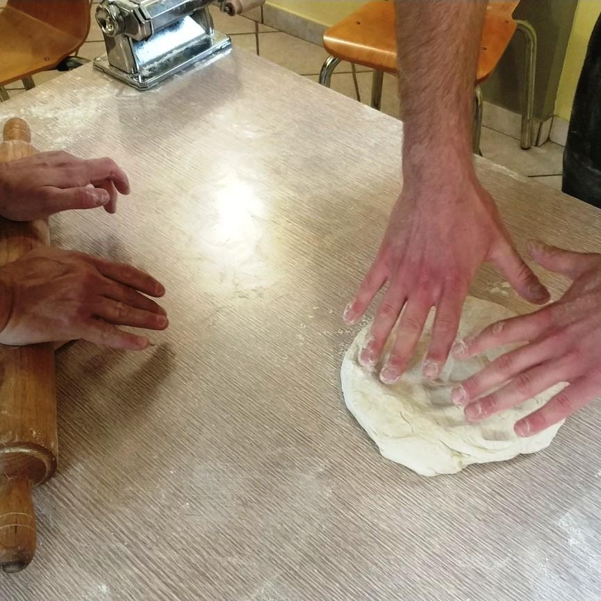 con le mani in pasta